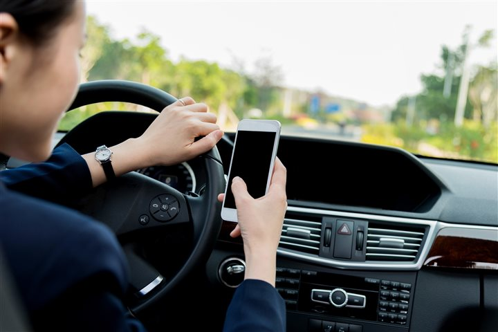 Reducing risks while taking care of business: Tips to avoid distracted driving